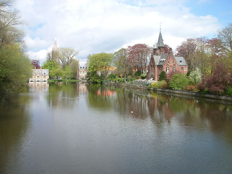 Immagine:Bruges Minnewater.JPG