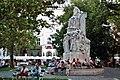 Budapest, das Mihály-Vörösmarty-Denkmal.jpg