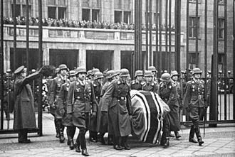 Günther Lützow - Lützow (front honor guard, right) at Udet's funeral.