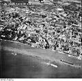 Bundesarchiv Bild 195-0671, Rheinbefliegung, Köln-Mühlheim.jpg