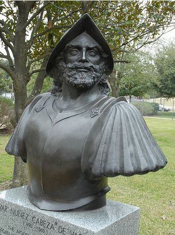 Monument to Cabeza de Vaca in Houston, Texas. Cabeza de Vaca1.jpg