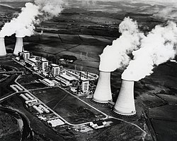 Calder Hall nuclear power station (11823864155).jpg
