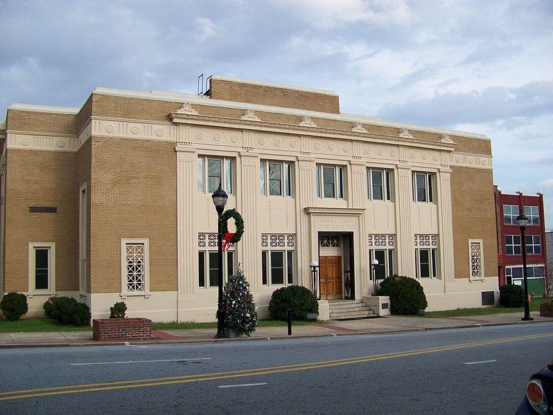 File:Caldwell County Courthouse - Lenoir, NC.jpg
