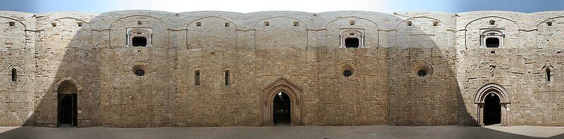 File:Castel del Monte court panoramic view.jpg