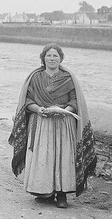 Galway shawl Traditional Irish clothing
