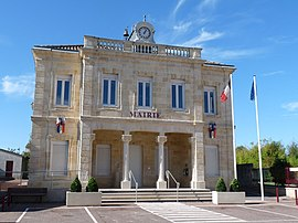 The town hall in Cavignac