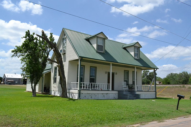 File:Chaddock House, Cuero, Texas.JPG