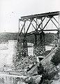 Chantier du pont Jean-Florian Grenon sur le bord de la Grande Décharge, Alma (Québec).jpg
