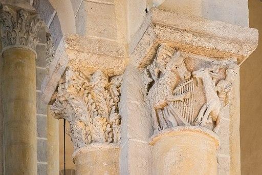 """Chapiteau """"L'Âne à la lyre et l'Homme chevauchant un bouc"""", l'église de Saint-Nectaire (Puy-de-Dôme) - 1837"""