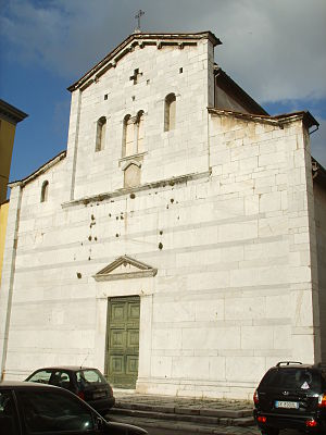 Sant'Alessandro, Lucca - Façade of the church