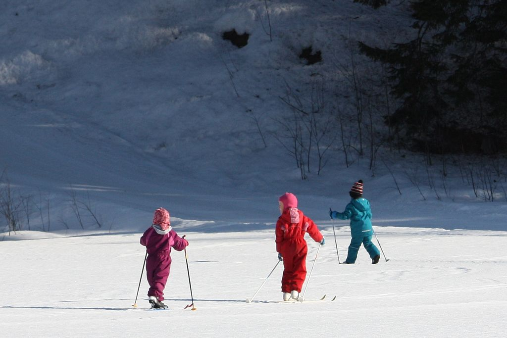 Children skiing IMG 3920