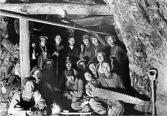 Gold mining in Colorado - Chinese-American miners in the Colorado School of Mines' Edgar Experimental Mine near Idaho Springs, circa 1920.