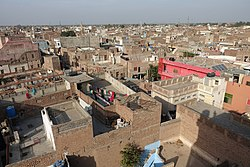 Chiniot seen from Omar Hayat Mahal.jpg