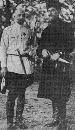 Kakutsa Cholokashvili - Kakutsa Cholokashvili (right) and General Giorgi Kvinitadze (left).