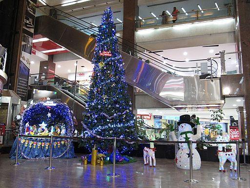 Christmas-tree-at-spencer-plaza-chennai