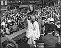 Churchill lors de son arrivee a Quebec en 1943.jpg