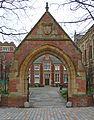 Clothworkers' Court, Leeds University (5513144270).jpg