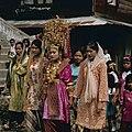 Collectie NMvWereldculturen, TM-20026656, Dia- 'Bruid in Bukittinggi, Sumatra', fotograaf Boy Lawson, 1971.jpg