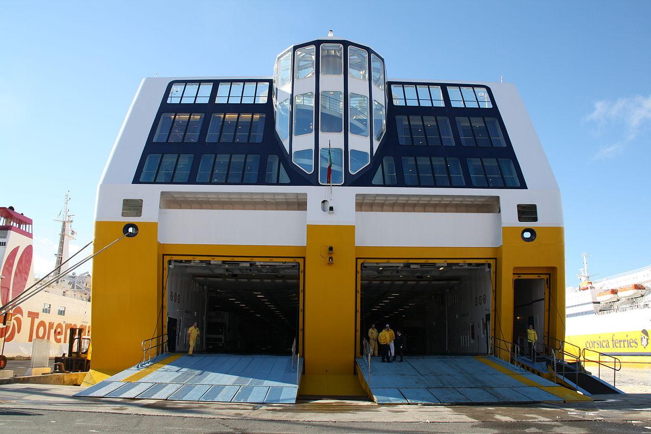 File corsica ferries mega express two 05 jpg wikimedia for Mega express 2 piscine