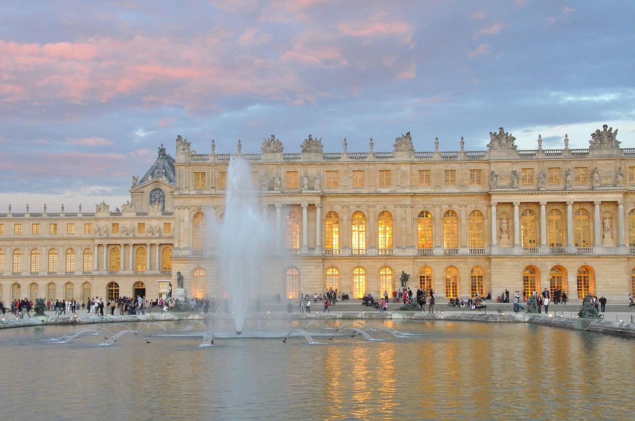 File coucher de soleil sur le chateau de versailles 14 ao t wikimedia commons - Photo chateau de versailles ...
