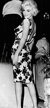 2cad3f39448 Мэрилин Монро во время съёмок фильма «Что-то должно случиться» (1962)