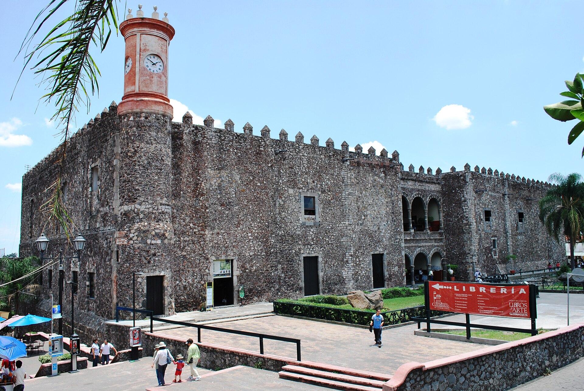 Vista exterior del Palacio de Cortés