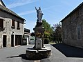 Curan fontaine statue.jpg
