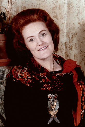 Joan Sutherland - Sutherland in 1975