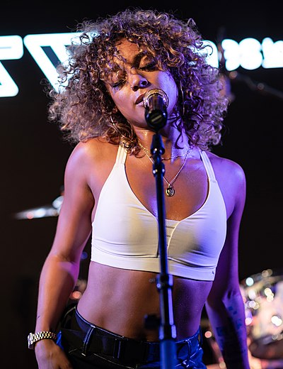 Picture of a band or musician: Danileigh