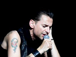 Dave Gahan in 2009