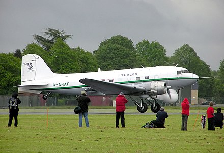 Douglas DC-3, a taildragger airliner Dc3.takeoff.thales.arp.jpg