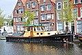 De sleepboot POLLUX voor de wal in Leiden (01).JPG