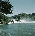 De waterval bij Schaffhausen met rechts Schloss Laufen, Bestanddeelnr 254-6018.jpg
