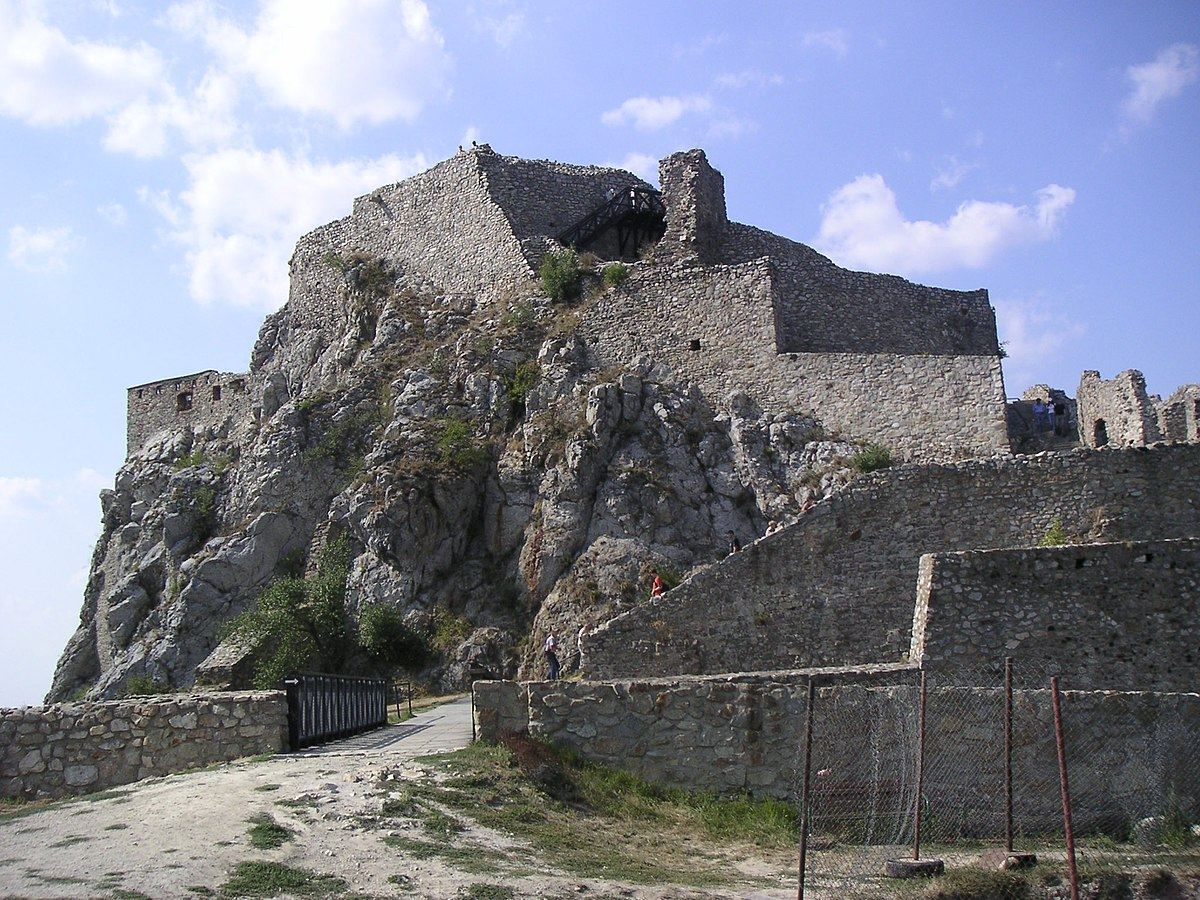 Devín Castle - Wikipedia