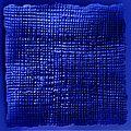 Diep blauw vlak - 4 zwarte spijkers.jpg