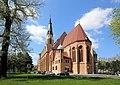 Donaufeld (Wien) - Pfarrkirche Hl. Leopold.JPG
