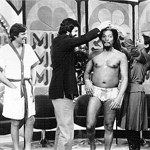 "Warren Farrell - Dr. Warren Farrell conducting a ""men's beauty contest"" on the Mike Douglas Show with Alan Alda, Billy Davis, Jr., and Marilyn McCoo, circa 1976."
