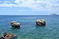 Dues roques davant del passeig ecològic de Calp.JPG