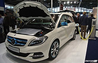 Mercedes-Benz B-Class - Production Mercedes-Benz B-Class Electric Drive charging
