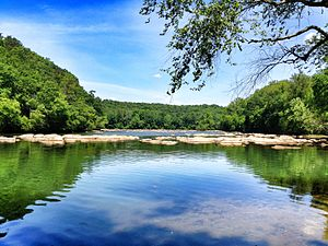 Chattahoochee River National Recreation Area - View northwards up the river from Atlanta at East Palisades (April 2012)