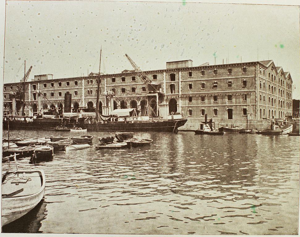 Palau de mar : Ancien entrepôt transformé en musée de la Catalogne.