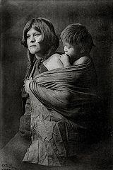 EDWARD SHERIFF CURTIS LE PHOTOGRAPHE DES AMÉRINDIENS 160px-Edward_S._Curtis_Collection_People_001