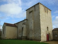 Eglise de Xanton-Chassenon..JPG