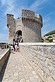 Eingang zur Festung Minceta in der Altstadt von Dubrovnik, Kroatien (48739175357).jpg