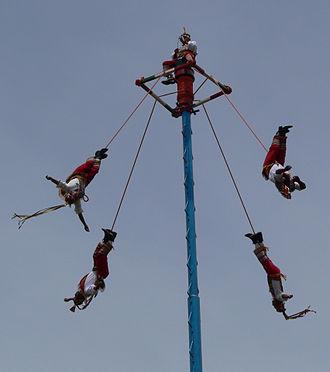 """Danza de los Voladores - Totonacs of Papantla, Veracruz performing the """"voladores"""" ritual"""