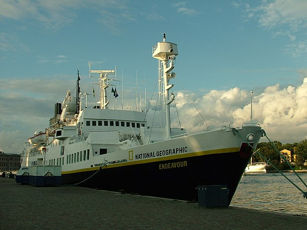 ships lindblad expeditions national geographic endeavour