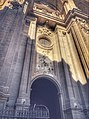 Entrada Catedral Granada.jpg