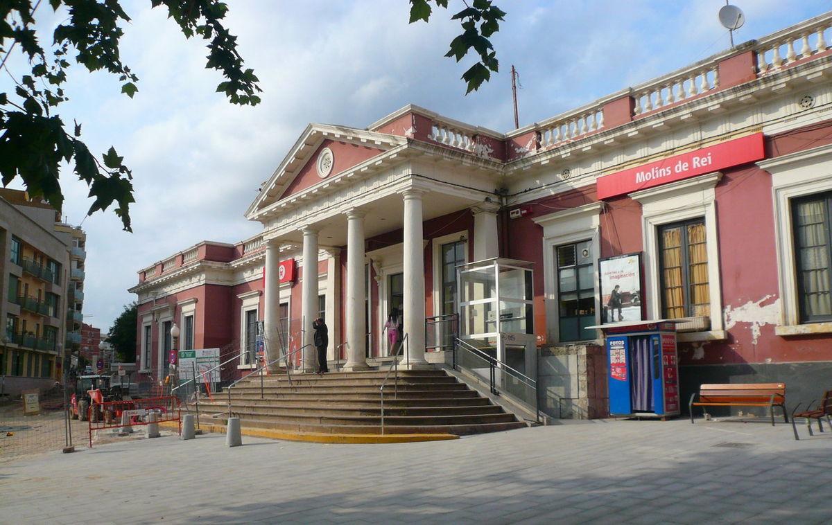Molins de rei railway station wikidata - Casa en molins de rei ...