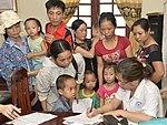 Eye screening for kindergarten children in Quoc Oai district of Hanoi (14331086713).jpg