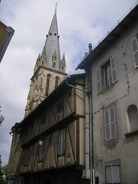 Villes et villages de charme du Cantal 450px-FR-15-Aurillac17